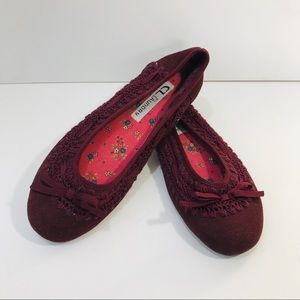 cl by chinese laundry 7.5 Ashley Flat Maroon Suede